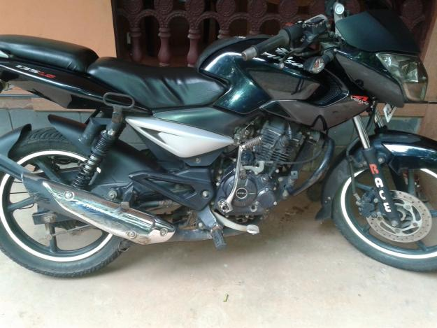 Good condition black pulsar 135ls 2011 model for sale at Malappuram