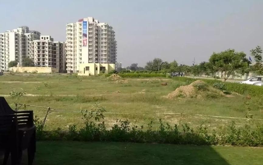 Cheapest plot in Noida expressway