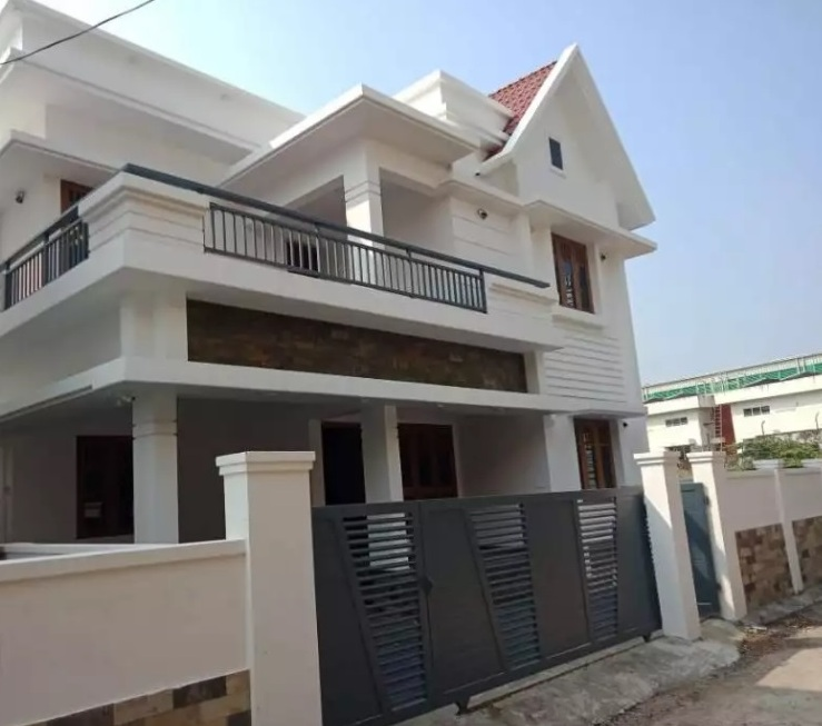 4.5 cent 2250 sqft 5 bhk house at Kakkanad