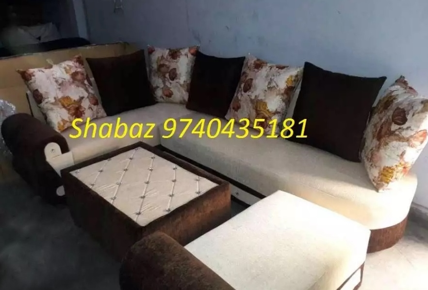 Top brand corner sofa's with excellent upholstery work