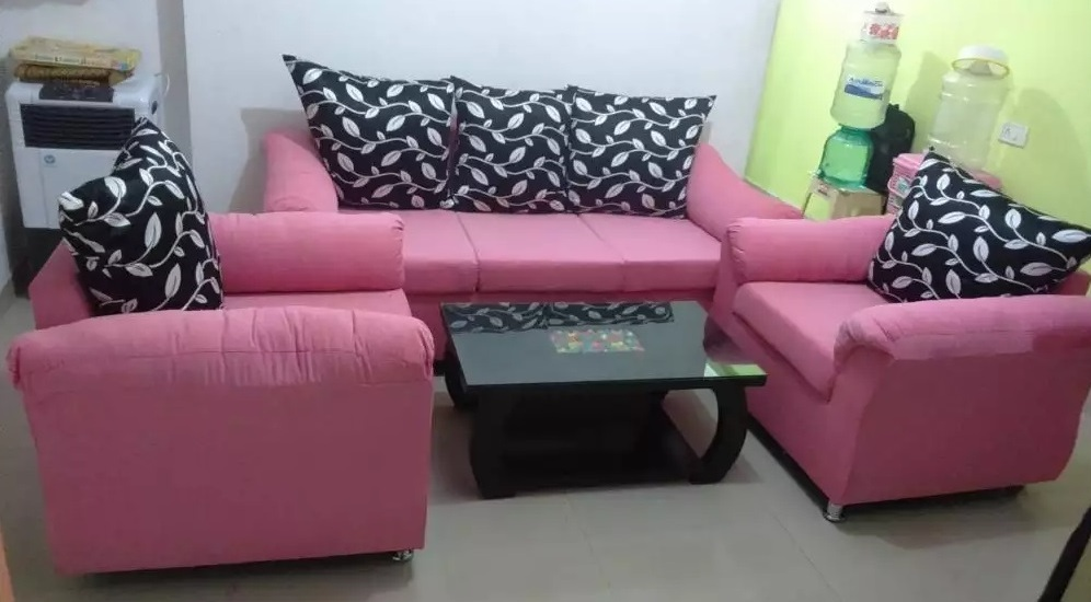 Good looking 3-1-1 sofa set for sale