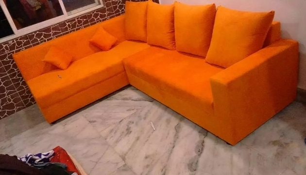 Sofa with 5 seaters (6 cuisions) decent design