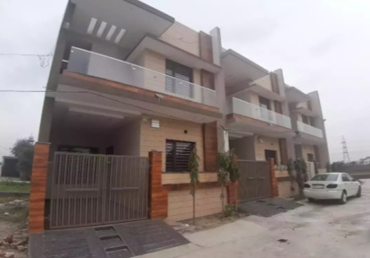 3 bedrooms double story House